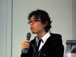 日本Androidの会の理事をはじめ、いくつもの肩書きを持つ安生氏。著書も多く、端末に対する辛口な意見がズバズバと出てくる。