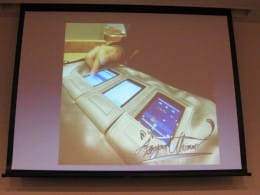 ノートPCよりも速く作業環境を用意できます。デジタルサイネージ(電子看板)にも最適