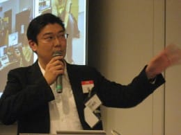 「Eye-Fiカード」を製作、発売するアイファイジャパン株式会社の田中大祐氏。人材募集を行った