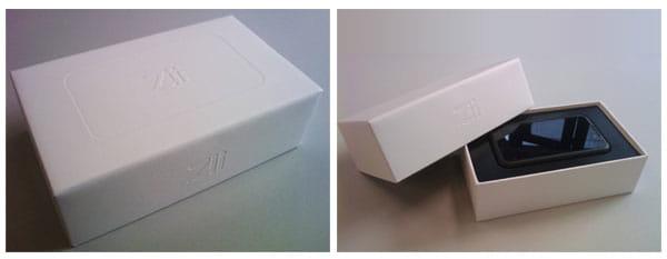 箱は上にあけるタイプ。iPhoneを連想するようなパッケージです。