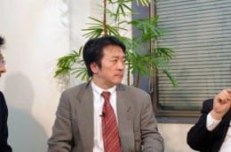 司会の菊池隆裕氏(日経BP社)