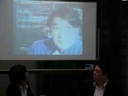 携帯電話研究家でフリージャーナリストの山根康宏氏は香港からskypeで参加