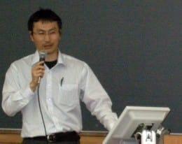 佐藤氏は「AndroidはiPhoneに大きな期待感を持っていたはず」と分析