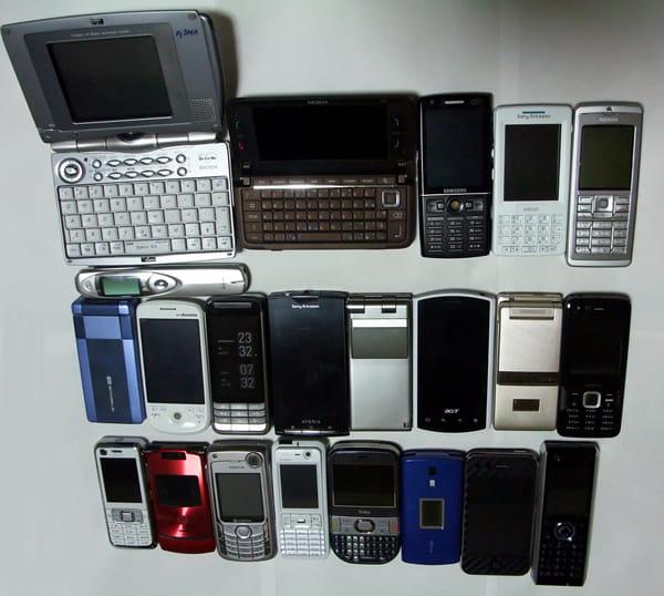 """""""ケータイ""""も""""スマートフォン""""も、「見た目」で買っていいじゃない"""