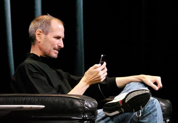 スティーブ・ジョブズが「FaceTime」のビデオ通話機能をご機嫌にアピール
