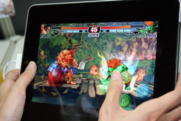 大ヒット格闘アクション『ストリートファイターⅣ』のiPhone/iPad版。コンシューマー版等と遜色ない動きを見せていた