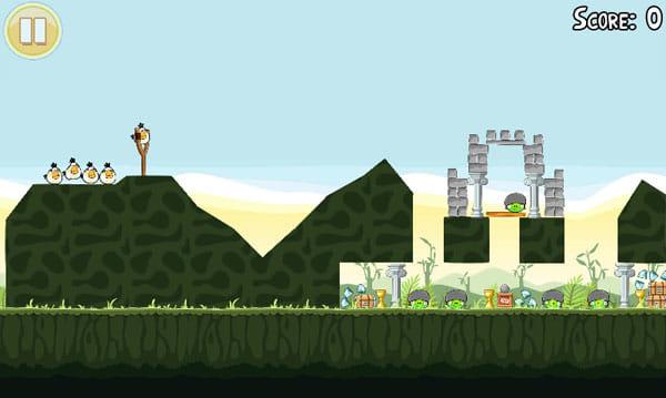 Angry Birds:さまざまなステージが行く手を阻む!