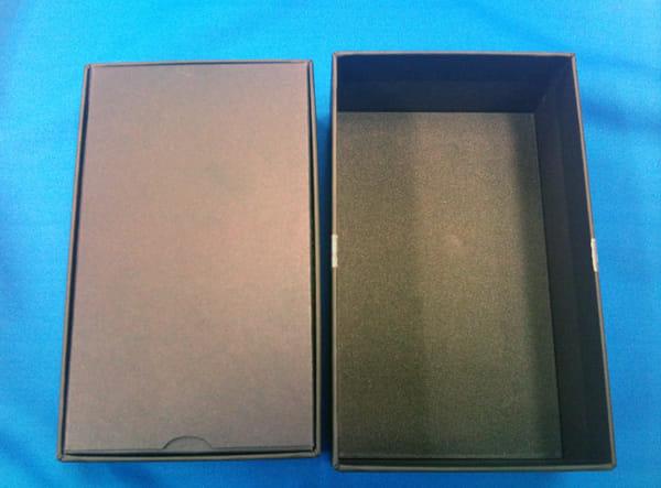 GALAXY S箱を開けると真っ黒