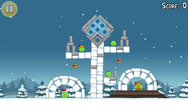 Angry Birds Seasons:クリスマスらしい雰囲気のステージも、難易度は高め