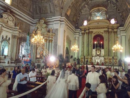 サン・アグスチン教会:この日は結婚式が行われていました