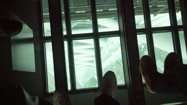足元のガラスから下が見える。ひえええー