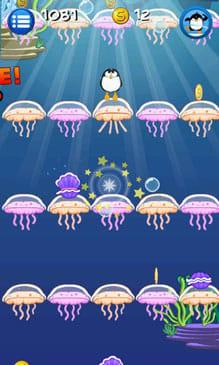 Jelly Jump:ペンギンを操作して空まで泳ごう。
