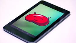最新のAndroid 4.2。「タブレット情報」の「Androidバージョン」を連打すると…?