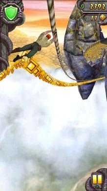 Temple Run 2:大迫力のロープ降下シーンは必見。