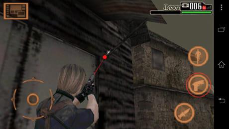 バイオハザード 4:画面右側に各種アクションボタンが設置されている
