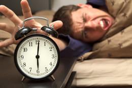 目覚まし時計で起きる時代から、アプリで起きる時代へ