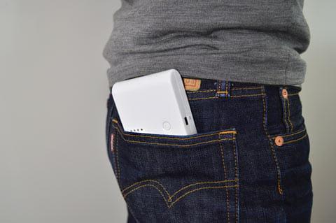 ポケットにすっぱり収まる※見やすいように外に出してますが、もっと奥まで入ります