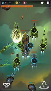 ストライクフリート:敵への攻撃と採掘をバランスよく行おう。