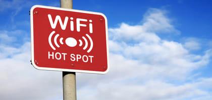 街で急増中!無料で使えるWi-Fiスポットのお得な使い方