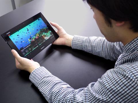 「Xperia Tablet Z SO-03E」で動画視聴。高画質を堪能できる