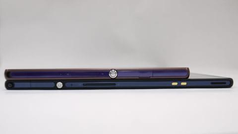 薄さを比較。Xperia Z SO-02E(上)Xperia Tablet Z SO-03E(下)