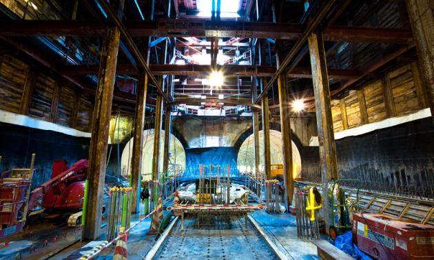仙台・東西線フォトギャラリー:建設中の写真が鮮明に映し出されている