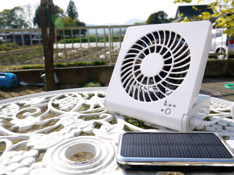 扇風機やスピーカーとつなげば、外では電源いらず