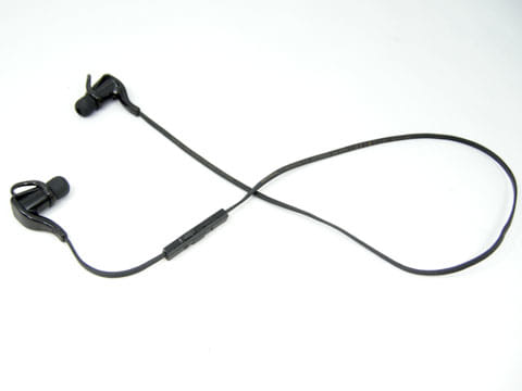 音量調整や曲送りのコントローラ一体型