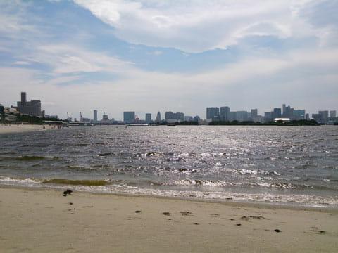 浜辺:Xperia Aで撮影