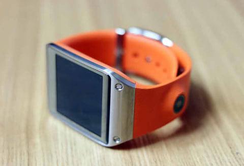 カメラも付いた注目の腕時計型デバイスGALAXY Gear