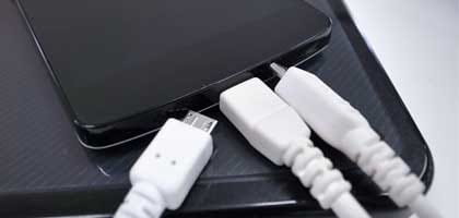 1番速いバッテリー充電方法はコレだ!USB?ワイヤレス?それとも…検証してみた【2014年新春バッテリー対決】