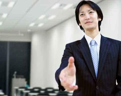 インタビューに答える福徳氏