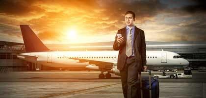 9月1日から飛行機でのスマホ規制が緩和!?電子機器利用ルール変更点をしっかりチェック