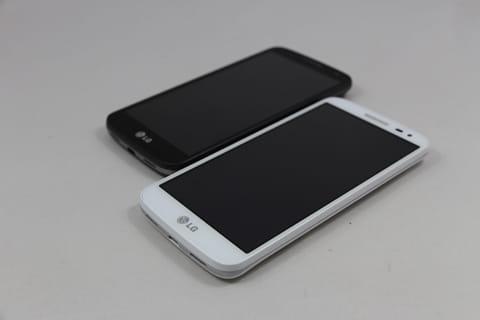 お手頃価格で手に馴染む「LG G2 mini for BIGLOBE」。ホワイトとブラックの2色ある