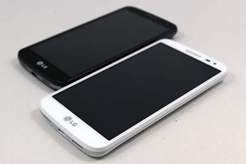 「うれスマ」の「LG G2 mini」はホワイトとブラックの端末カラーから選ぶことができる