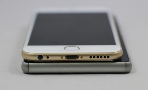 「iPhone 6」の方が少し(約0.4mm)薄い