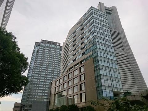 高層ビルのシャープさをマニュアルで撮影