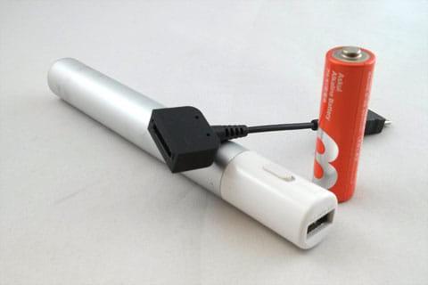 乾電池が使えるモバイルバッテリーとガラケー充電器の変換コネクタ