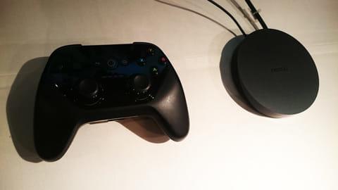 別売りのゲームコントローラーを使うと、よりゲームの操作性が高まる