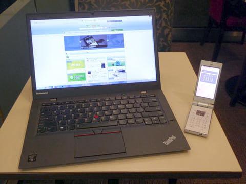 普通のAndroid端末と同じくUSB、BluetoothやWi-Fiでのテザリングが可能。「AQUOS K」とパソコン(タブレット)だけで高速モバイルインターネットが可能になる