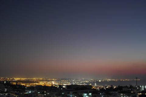 三脚を使えば夕日+夜景のコンボもイケる謝刈公園