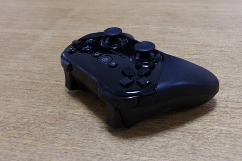 ゲームパッドにはL1/L2ボタンなどもついている