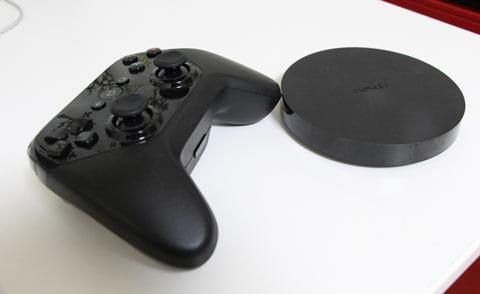 「Nexus  Player」は別売りの専用コントローラを組み合わせれてば、ゲーム機としても活躍する
