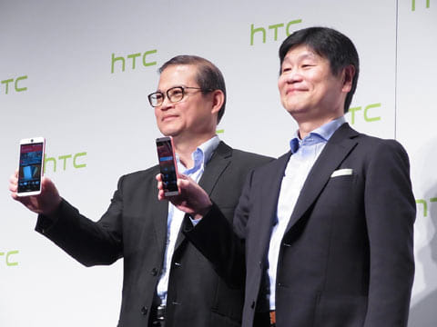 HTC Corporation 北アジア総括代表取締役 ジャック・トン氏(左)、HTC NIPPON 代表取締役 玉野浩氏(右)