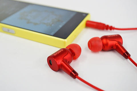 騒音を最大約98.0%低減するデジタルノイズキャンセリング機能