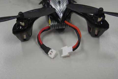 バッテリーから電源ケーブルを直結