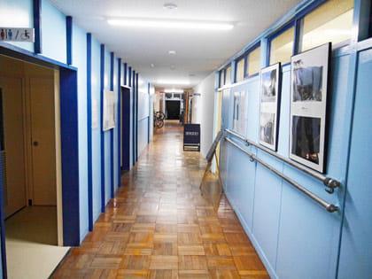 廊下を進むと「SEKIDO」の看板が見える