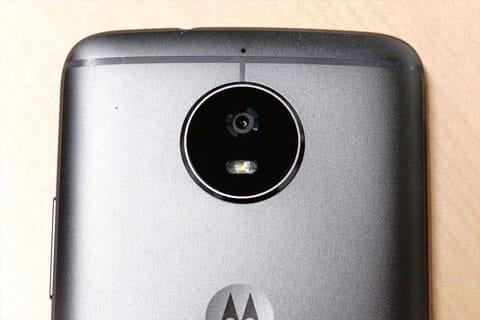 1,600万画素のメインカメラ
