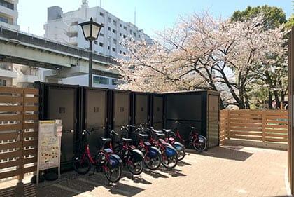 江戸川公園の駐輪場。桜がキレイ!