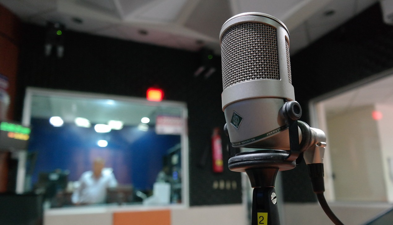 TOKYO FM デジタルラジオから撤退!最終損益83億円の赤字